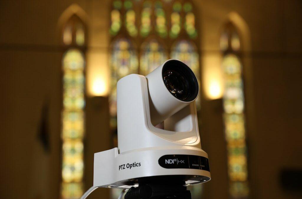 Hoe de pandemie de rol van PTZ-camera's in kerken verandert